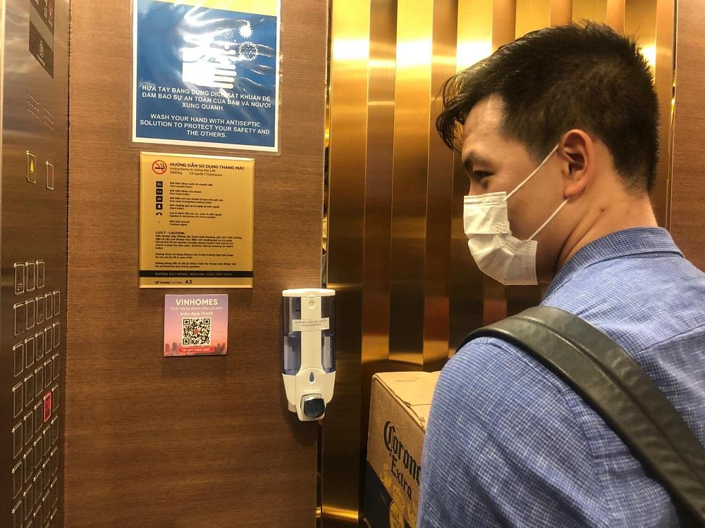 Sử dụng thang máy đúng cách để tránh nguy cơ lây nhiễm VIRUS CORONA (Covid-19)