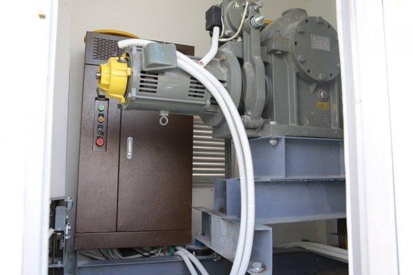 Động cơ thang máy